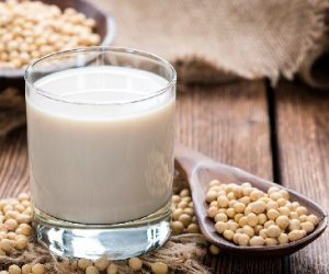 Benefícios do leite de soja natural